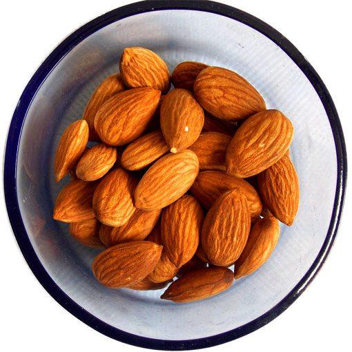 almonds-1740176_12802.jpg